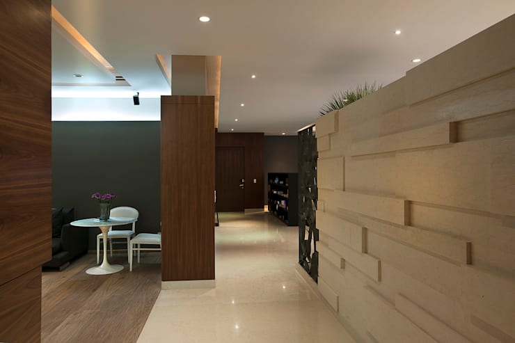Departamento CGB : Pasillos y recibidores de estilo  por ARCO Arquitectura Contemporánea