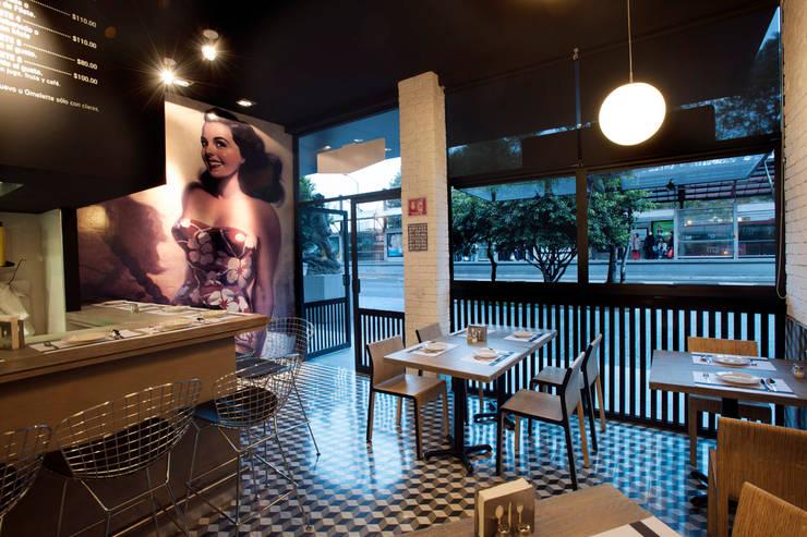 Ruang Makan oleh ARCO Arquitectura Contemporánea , Modern