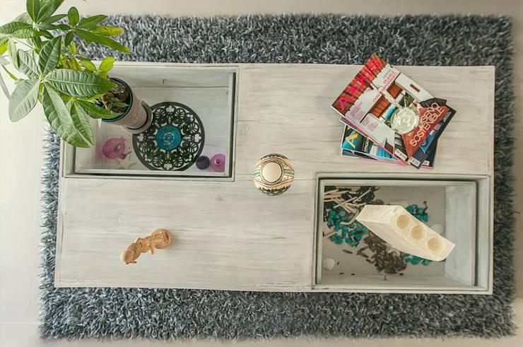 Mesa de centro: Salones de estilo  por Cristina Cortés Diseño y Decoración