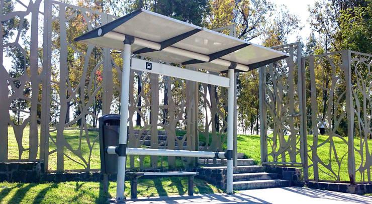 Parabus Monterrey: Jardín de estilo  por Diseño Neko