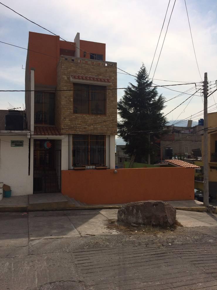 Vivienda La Presa: Casas de estilo  por Taller Esencia