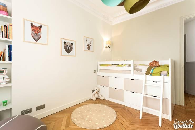 Child Bedroom Paris: Chambre d'enfant de style  par Carnets Libellule