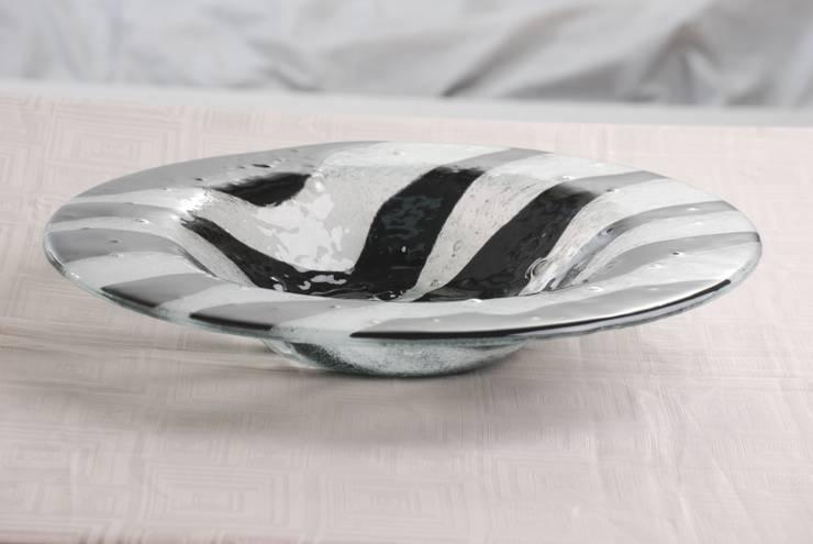 Bandejas: Comedor de estilo  por Indigo Glass Art