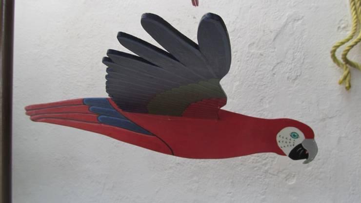 Guacamaya roja, azul y verde: Arte de estilo  por Artesania Ikare