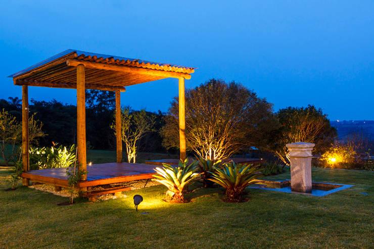 iluminação jardim:   por Paula Galbi paisagismo