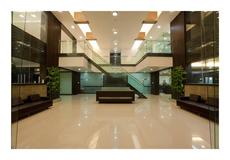 Reception area:  Study/office by RUST the design studio