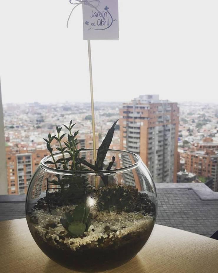 RegalaTeVida: Hogar de estilo  por Jardín de Abril