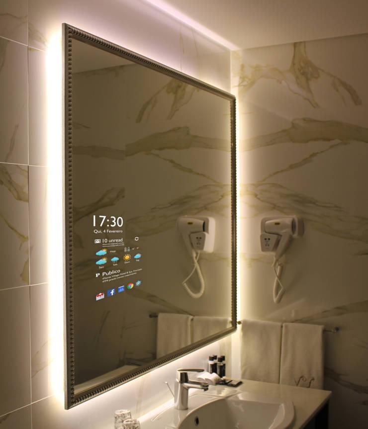 Adaptável as todas as utilizações: Casa, Hotel, Comercio e Serviços públicos.: Casas de banho  por Glassinnovation - Glass'IN