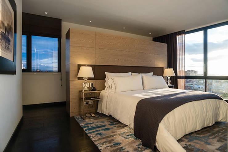 80/10 Urban Living: Habitaciones de estilo moderno por SAU Arquitectos