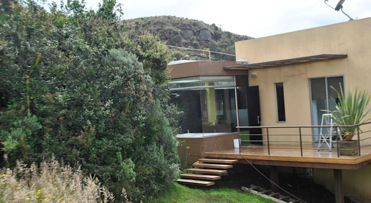Casa Riveros: Casas de estilo  por Arquitectura MGC