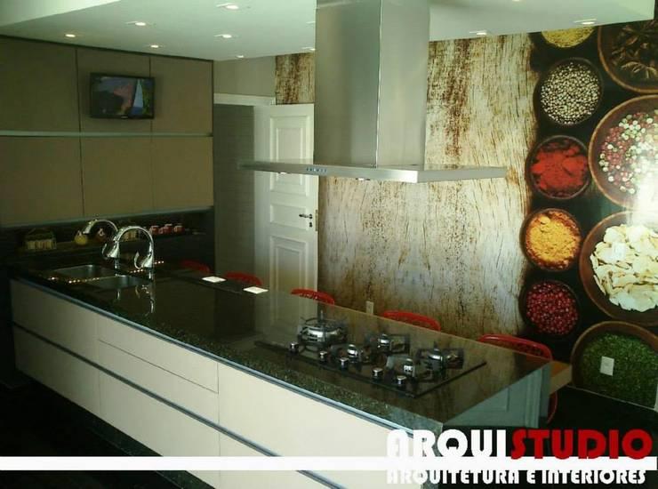 cozinha: Cozinhas  por Angelo e Fávero Arquitetura