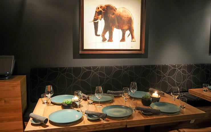 Restaurante Kaah Siis, Ciudad de México 2013: Comedor de estilo  por Nua Colección