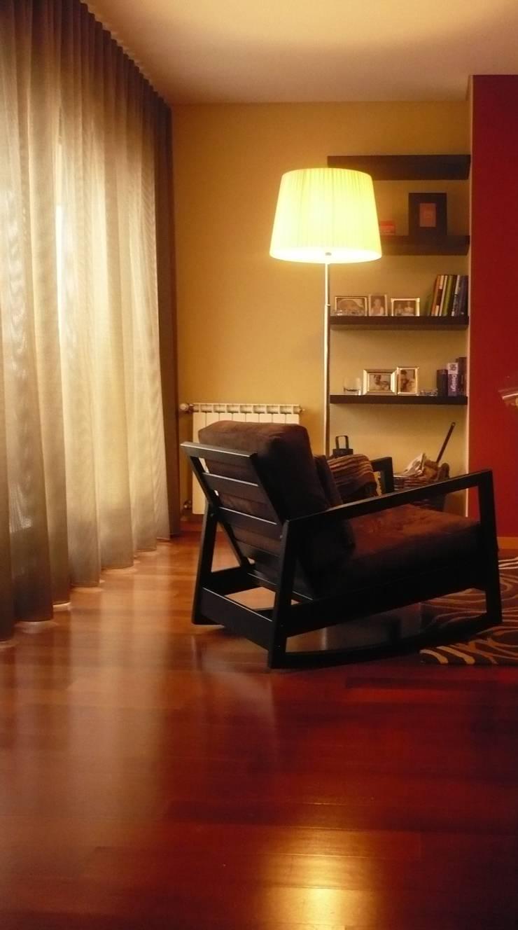 Apartamento Porto: Salas de estar  por Kohde