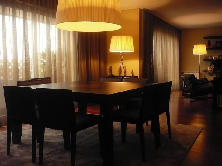 Apartamento Porto: Salas de jantar  por Kohde