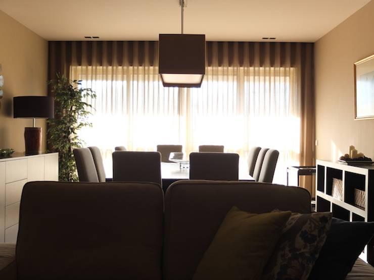 Sala apartamento Matosinhos: Salas de estar  por Kohde