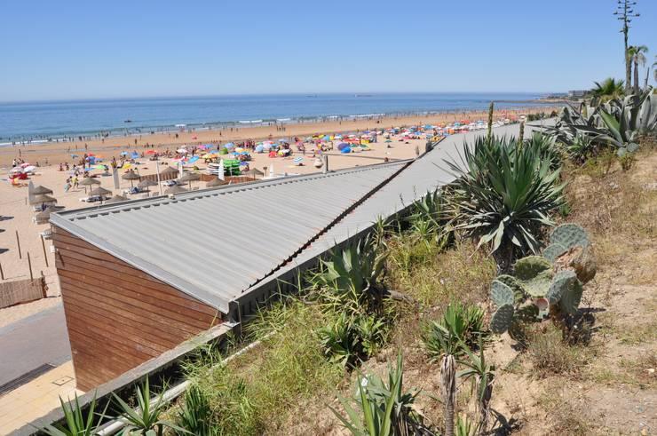 Existente: Espaços de restauração  por Pedro Ferro Alpalhão Arquitecto