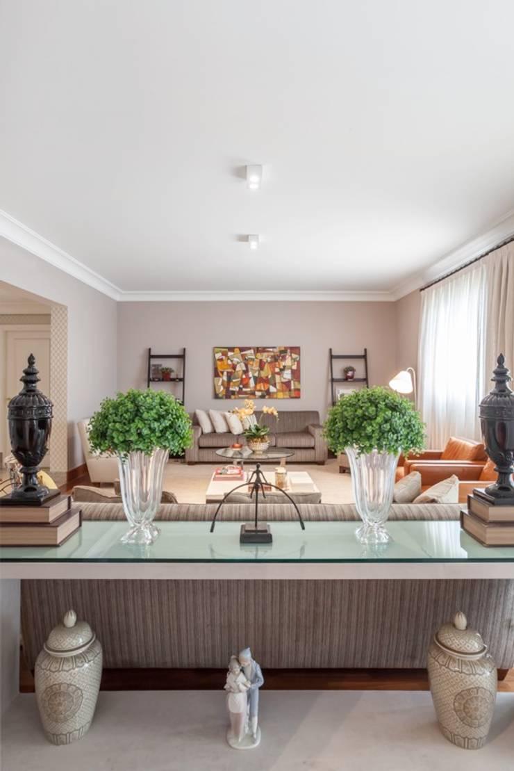 Salas de estilo ecléctico de Piloni Arquitetura Ecléctico