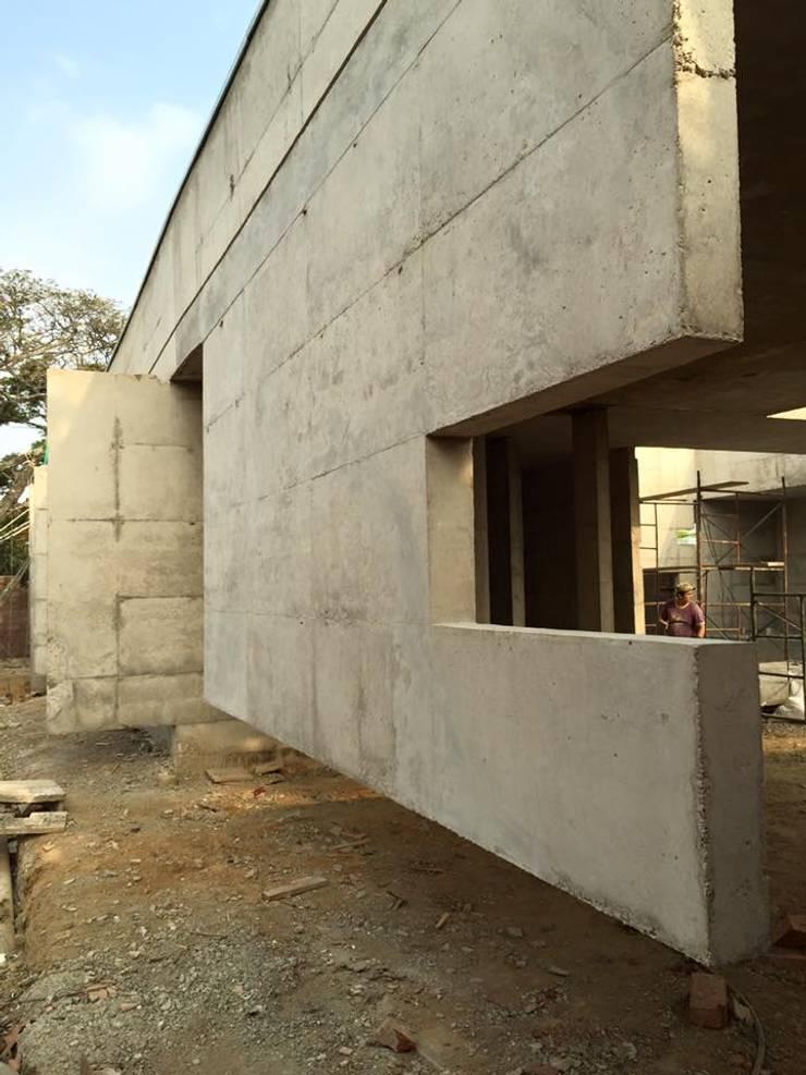 Proyecto Casa 2M:  de estilo  por XXStudio
