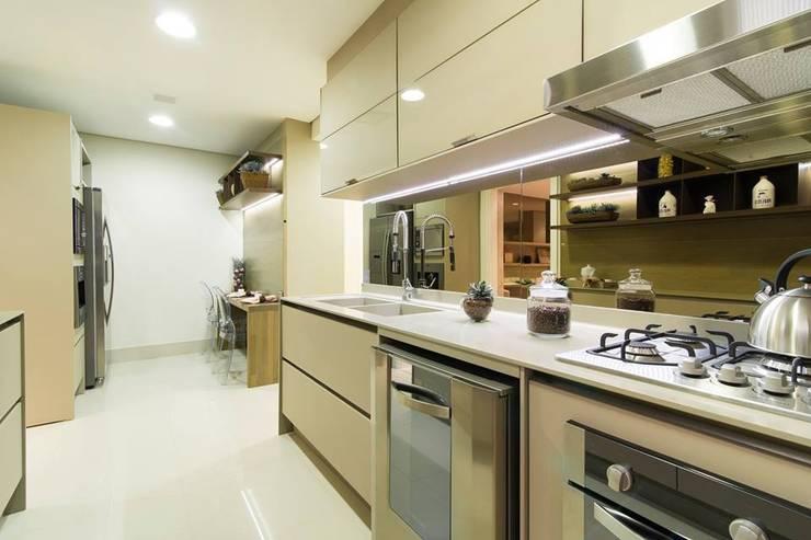 Cozinha: Cozinhas  por Arquiteta Karlla Menezes - Arquitetura & Interiores