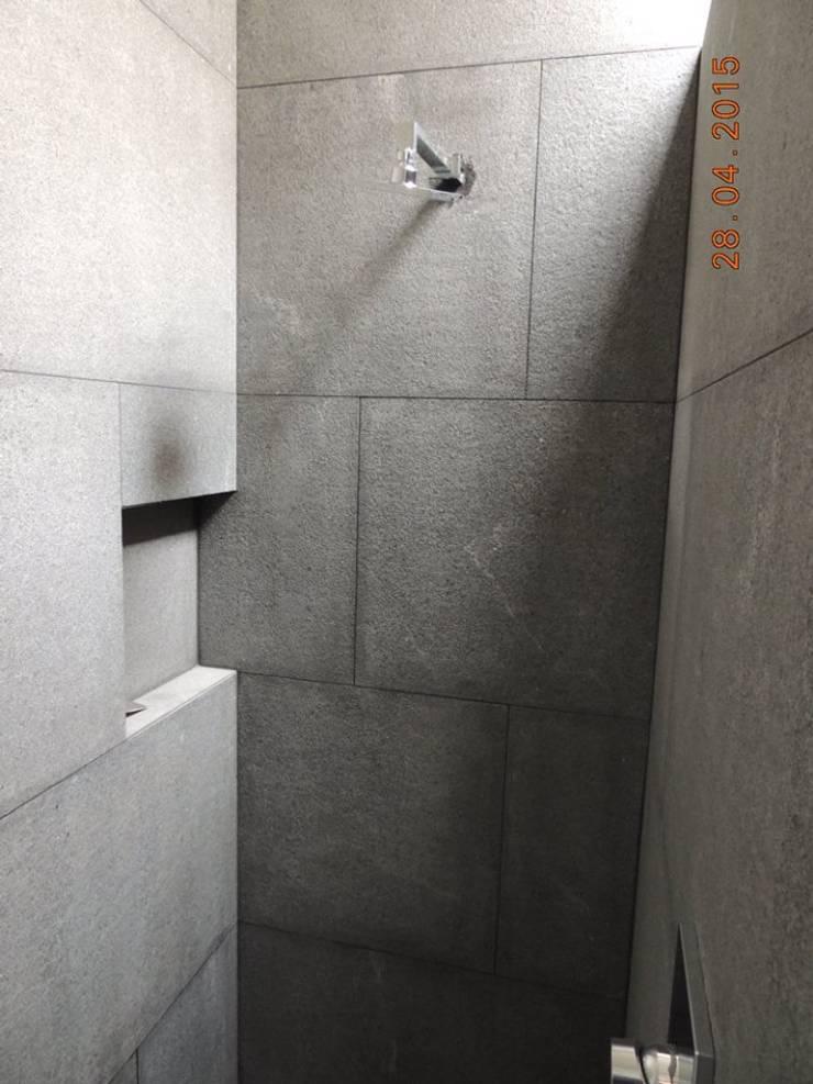 Casa Habitación, Bosque Real, Huixquilucan Estado de México: Baños de estilo  por L+arq Architecture Design Studio