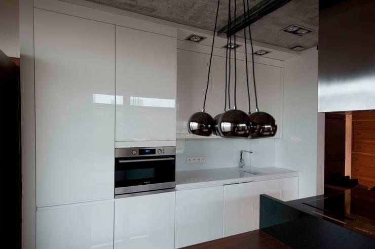 19 Dzielnica: styl , w kategorii Kuchnia zaprojektowany przez FusionDesign,Nowoczesny Płyta MDF