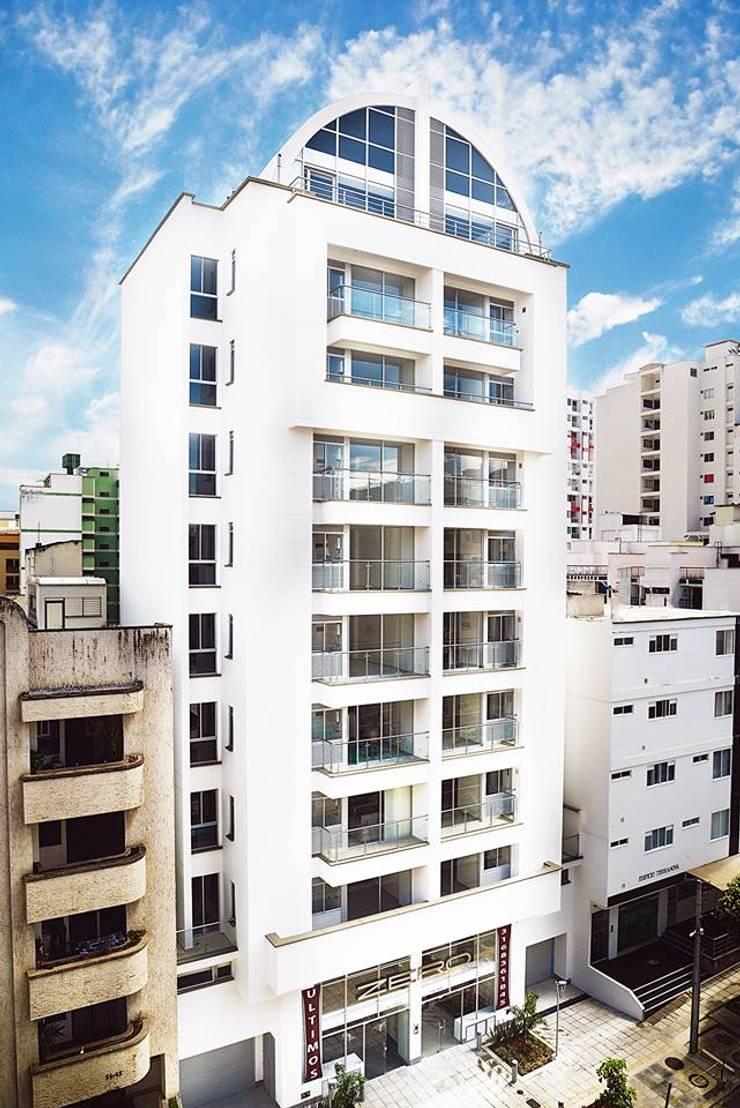 Proyectos: Casas de estilo moderno por Medina Arquitectos