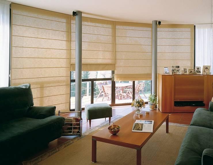 Proyecto Interiorismo: Salas de estilo  por Decoespacios