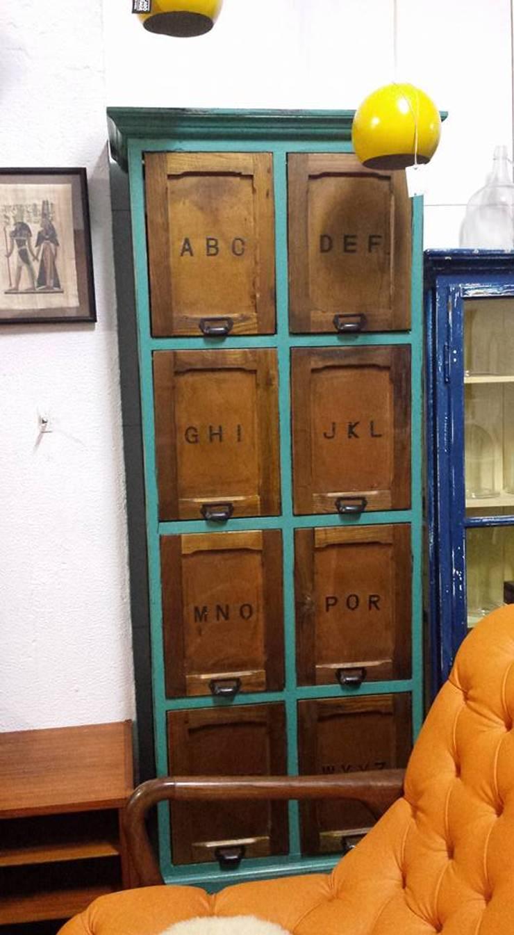 Mercado do Vintage: Casa  por Mercado do Vintage -Peças com história Lda