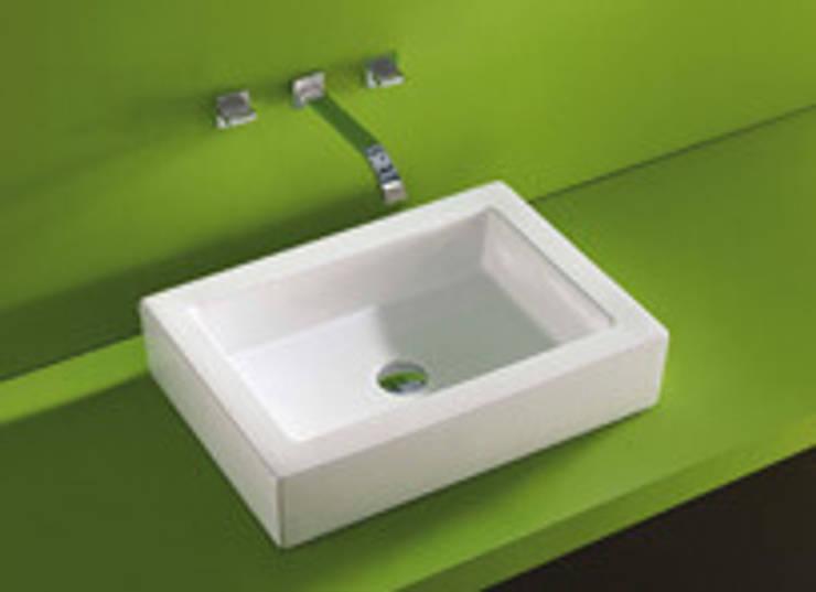 Bathroom by D + R  DISSENY I REFORMES
