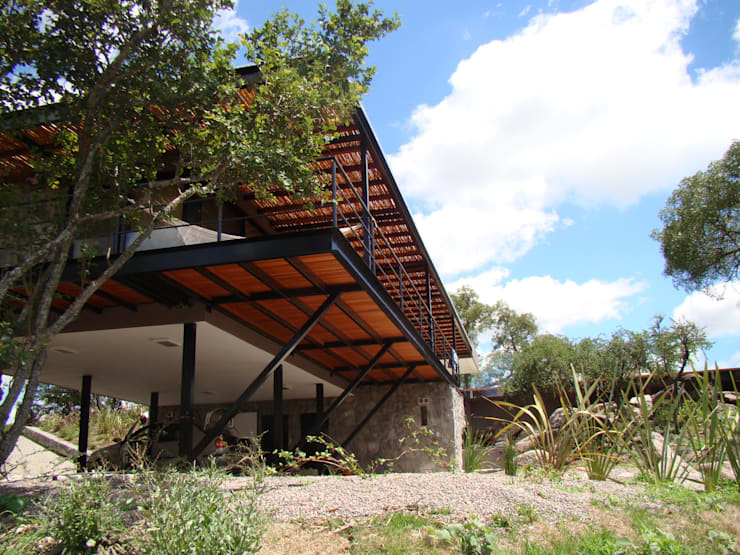 Port Ligat: Casas de estilo  por Estudio Monica Fiore
