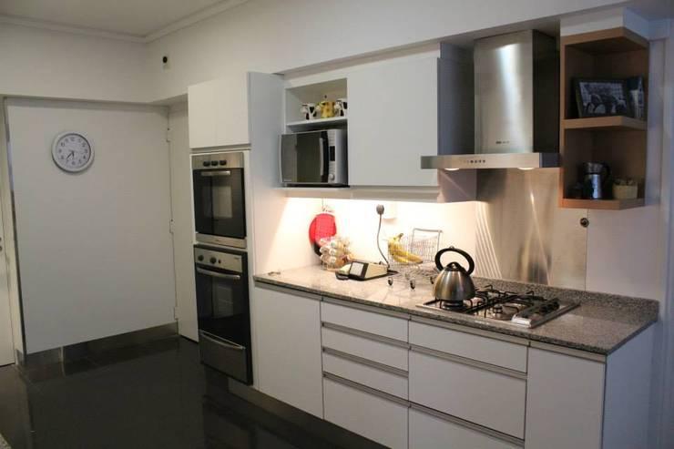 INTERIORES: Cocinas de estilo  por The Wall