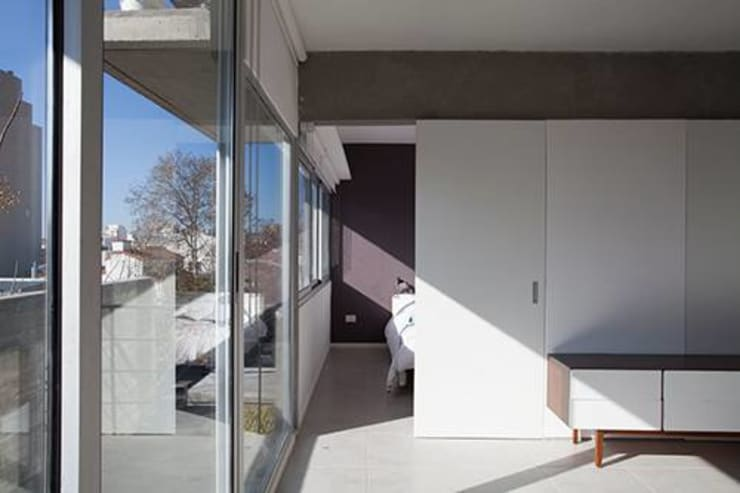 Obras Anteriores: Pasillos y recibidores de estilo  por arquitectos nomaDe,Moderno