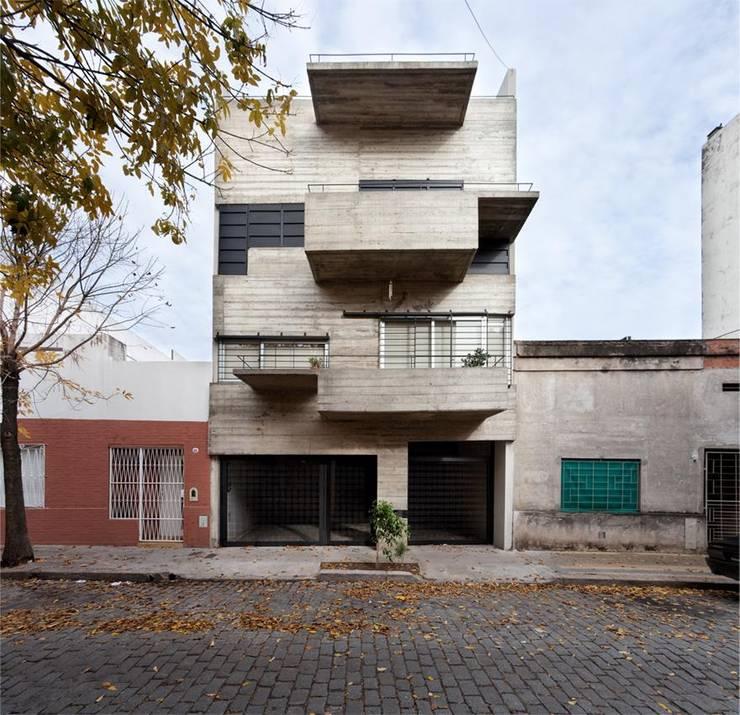 Obras Anteriores: Casas de estilo  por arquitectos nomaDe,Moderno
