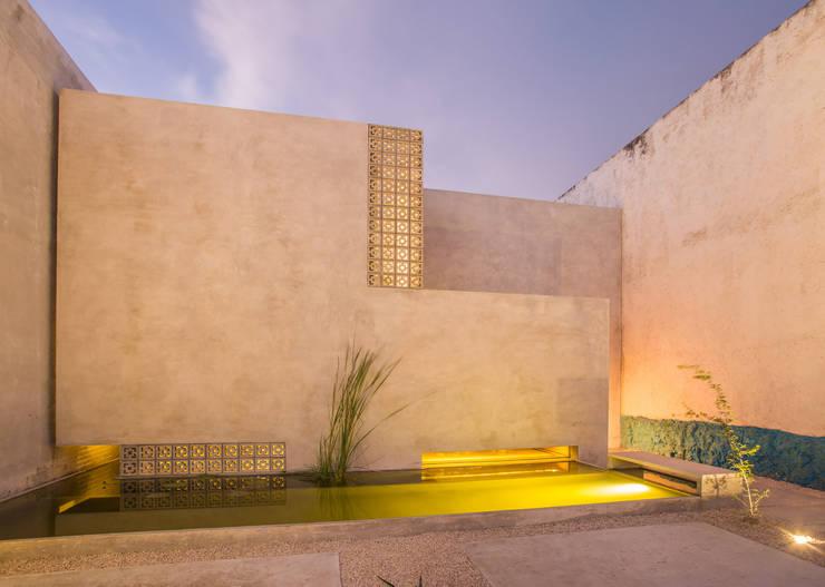 CASA GABRIELA: Casas de estilo  por TACO Taller de Arquitectura Contextual