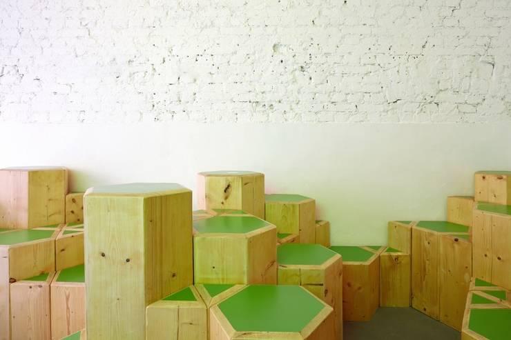 Natureiscremerei Berlin:  Gastronomie von SEREIN Konzeptkunst & Mikroarchitektur ,Minimalistisch