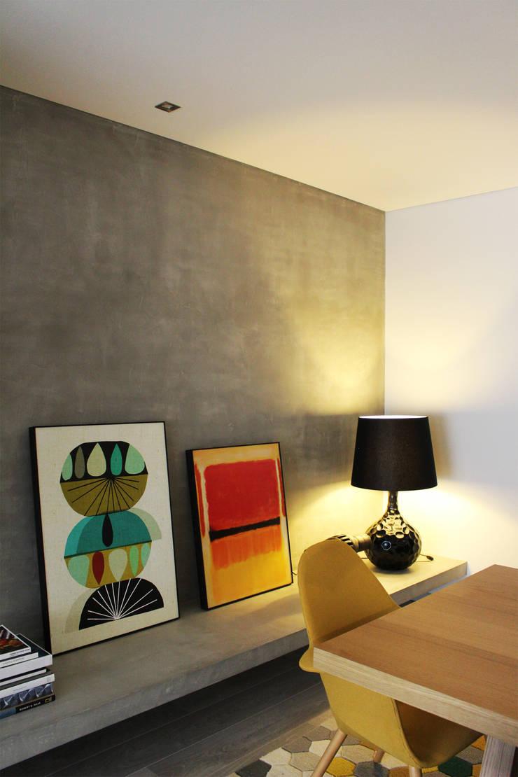 CV Interiors - detalhe: Paredes  por Artspazios, arquitectos e designers