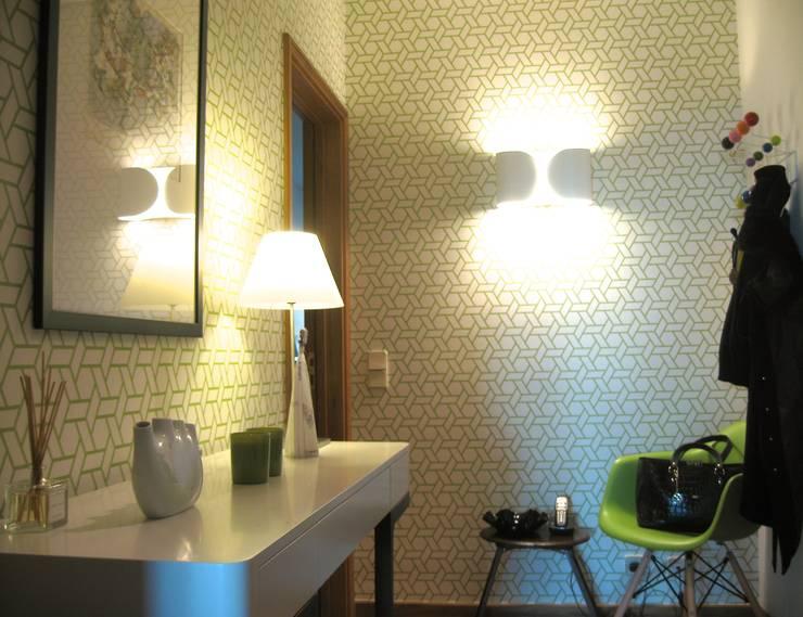 Apartamento Porto: Corredores e halls de entrada  por Kohde