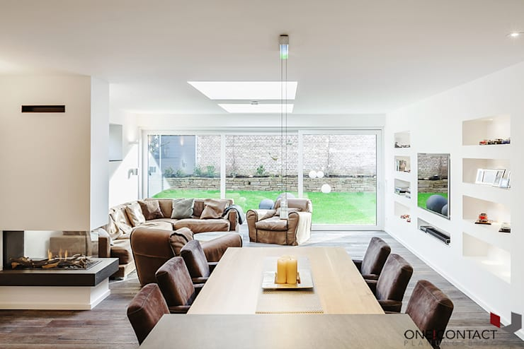 modern Living room by ONE!CONTACT - Planungsbüro GmbH