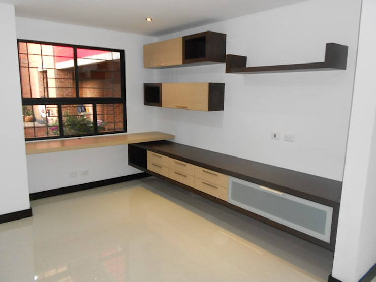 REMODELACION APTO 101 CR TORRES DEL PRADO : Estudios y despachos de estilo  por ARQUITECTONI-K Diseño + Construcción SAS
