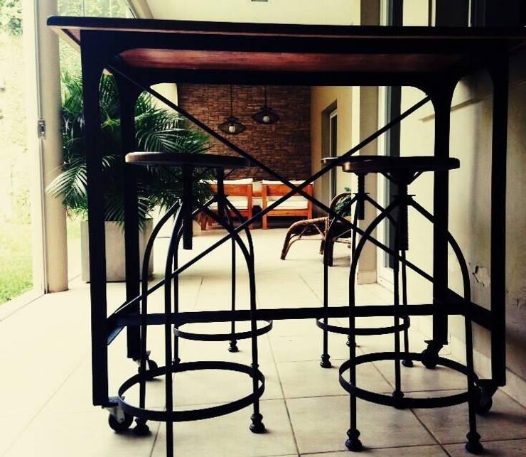 BARRAS para compartir : Casas de estilo  por Agus Garay diseño & Arq