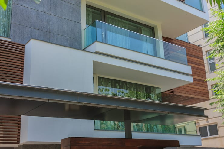45 PURVI MARG APARTMENT:  Terrace by dada partners