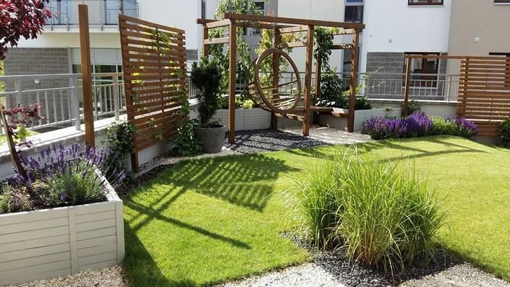 ogrody galeria: styl , w kategorii Ogród zaprojektowany przez Ogrodowa Sceneria