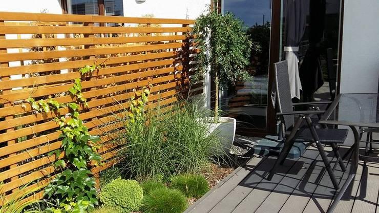 deska kompozytowa: styl , w kategorii Ogród zaprojektowany przez Ogrodowa Sceneria,Śródziemnomorski