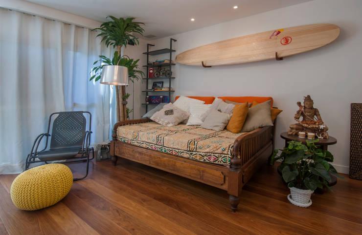 PARTAMENTO JARDIM OCEÂNICO | Sala: Salas de estar  por Tato Bittencourt Arquitetos Associados