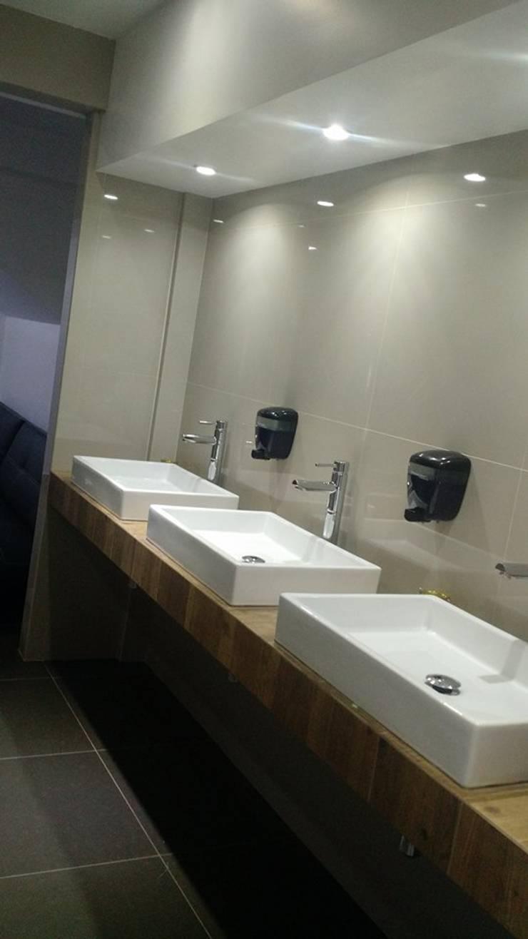 Barra de Lavabos: Baños de estilo  por Bau-Art  Taller de Arquitectura