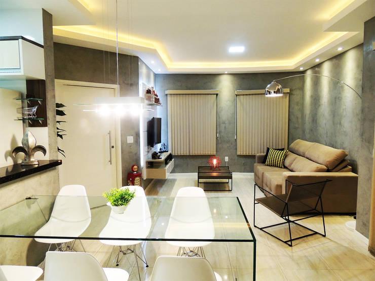 Home Theater: Salas de estar  por Alkaa Arquitetos Associados