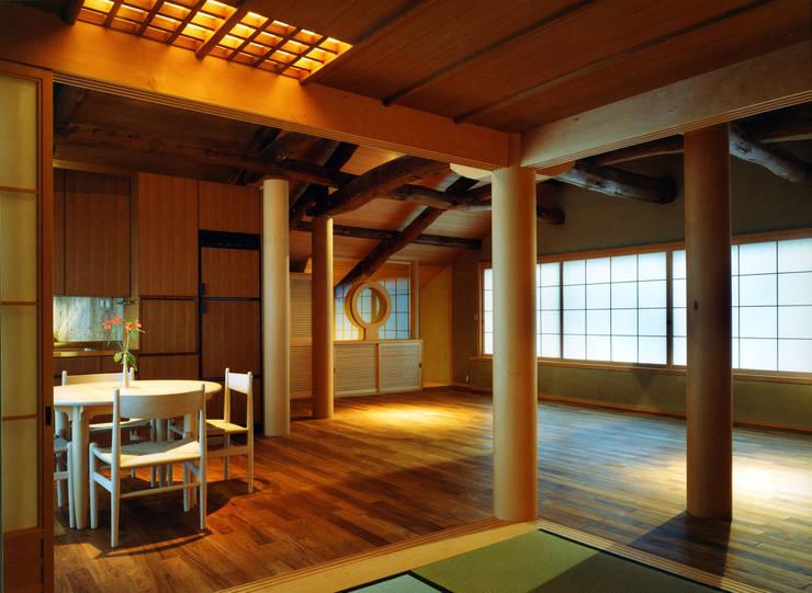 松井建築研究所의  다이닝 룸