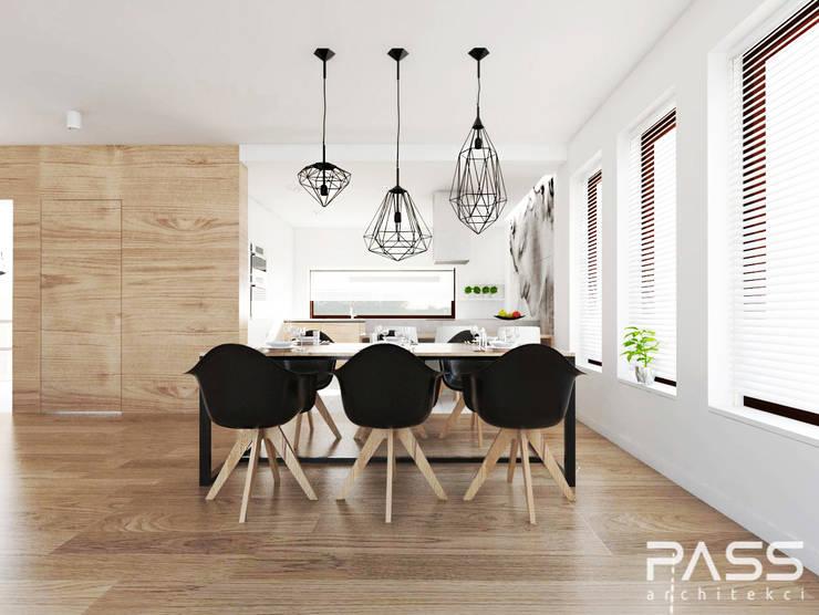 ห้องทานข้าว โดย PASS architekci,