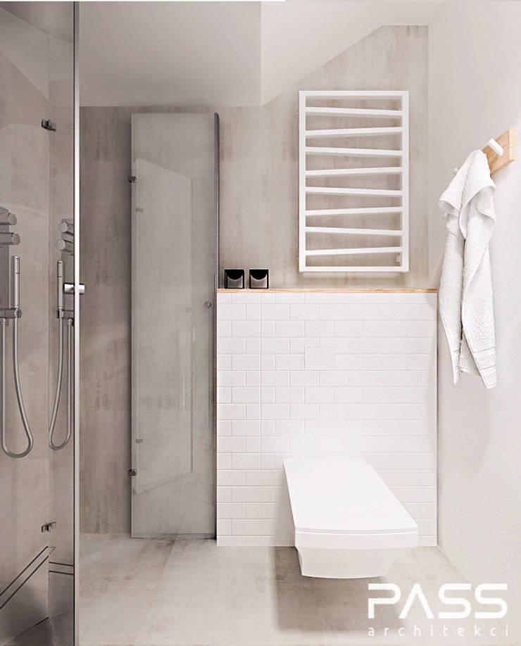 ห้องน้ำ โดย PASS architekci,