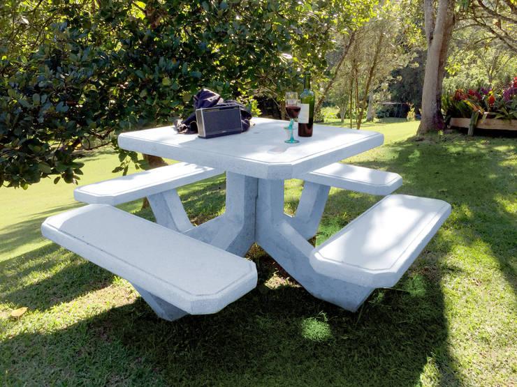 Mesa en concreto :  de estilo  por cimbrados, Moderno